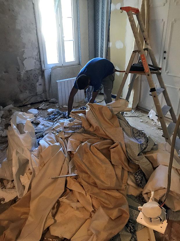 Le déblaiement de la maison après les travaux