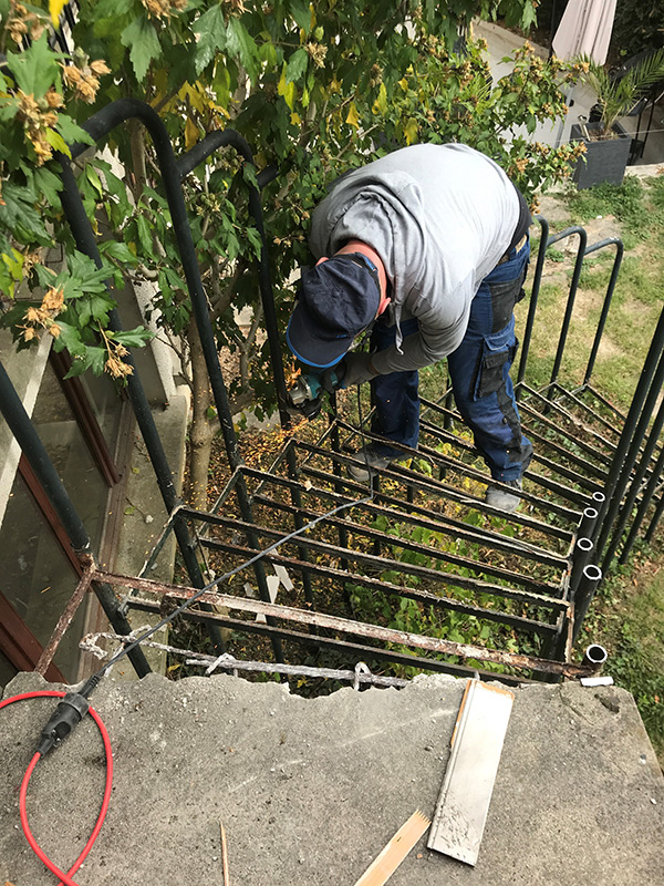 démolition d'escalier en béton