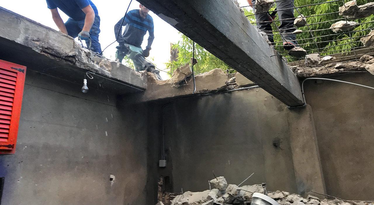Démolition des poutres en béton armé du garage