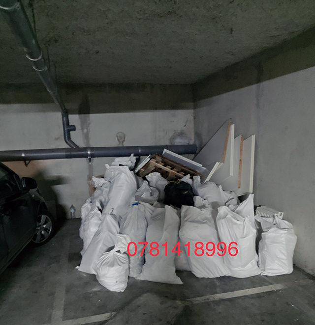 Débarras des déchets stockés  dans le garage