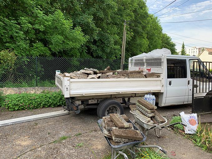 Camion-benne de 5m3 pour gravats