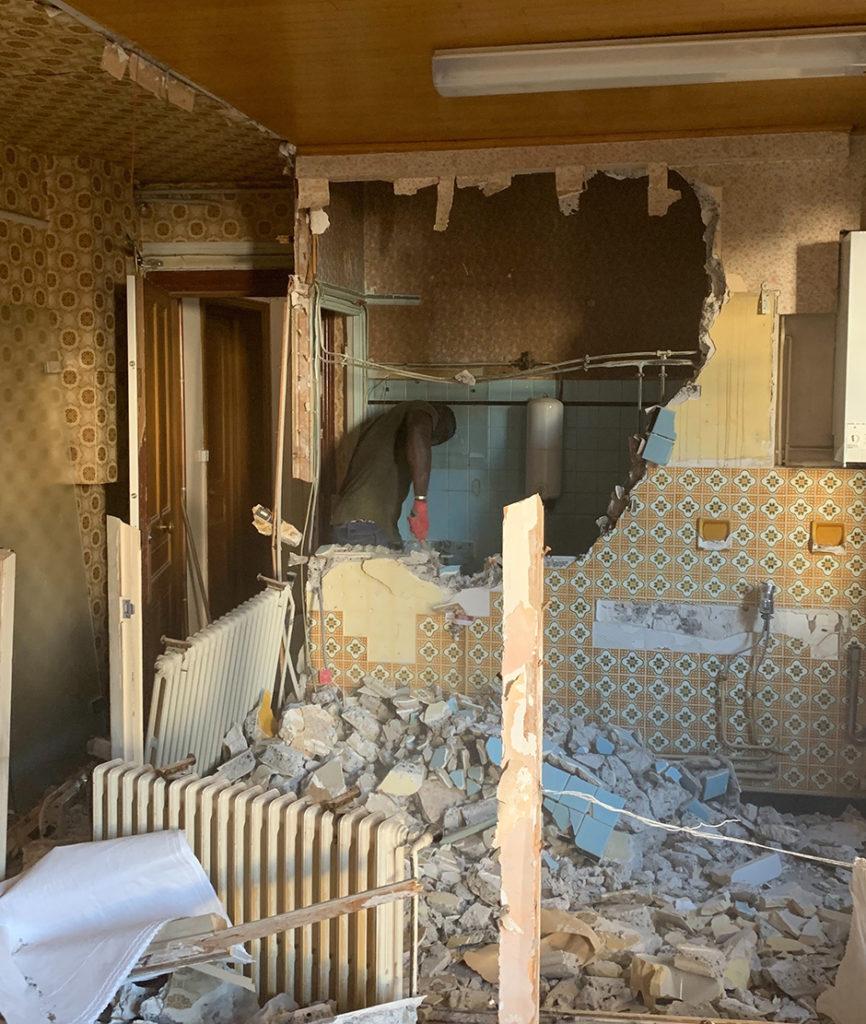 Demolition de closons et faux plafonds